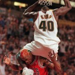 Shawn Kemp dunks on Rodman