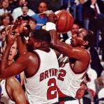 1991. Mark Bryant et Clyde Drexler piétinent John Stockton