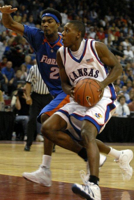 Mario Chalmers - Corey Brewer, 2006.