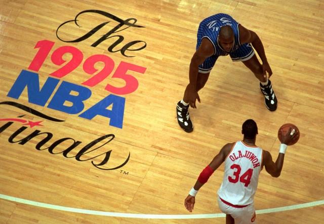 shaq-vs-hakeem-1995-nba-finals