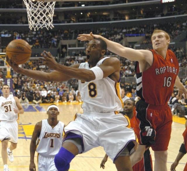 81 points Kobe 2006